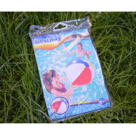 ballon de plage ou de piscine multicolore gonflable